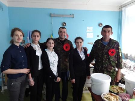 Вітання воїнам АТО з Днем пам'яті та примирення і Днем перемоги